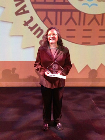 [image: Bev Sellars receives 3rd place at the 2014 Burt Awards]