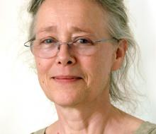 Author photo of Lynette Hunter.