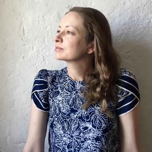 Karis Shearer author photo.